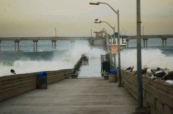 Pier overflow 12-28-09-sm